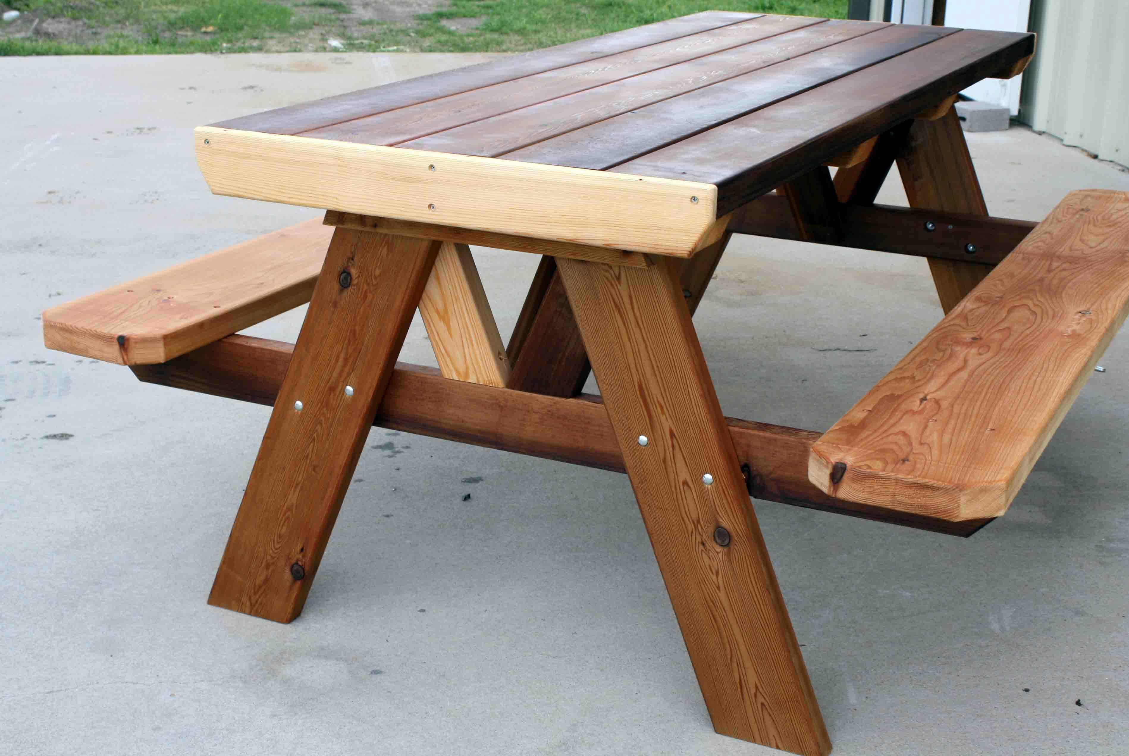 picnictable.jpg